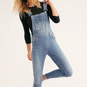 NWT Free People jeans overalls for women. Size 27